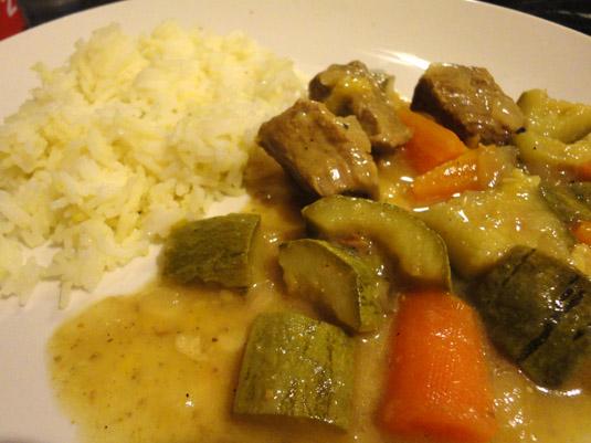 μοσχάρι με λαχανικά και μπασμάτι