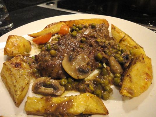 φιλέτο μοσχάρι με λαχανικά και πατάτες φούρνου