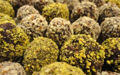 Σοκολατάκια με επικάλυψη φυστικιού και αμυγδάλου
