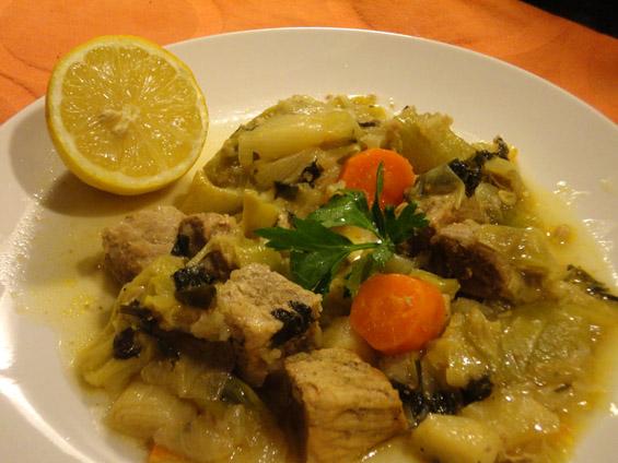 χοιρινό πρασοσέλινο με σελινόριζα και καρότα