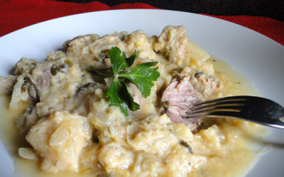 Χοιρινό με λάχανο αυγολέμονο