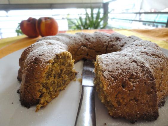 κέικ με βρώμη και ροδάκινο
