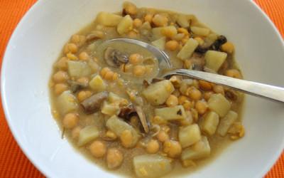Σούπα με ρεβίθια και μανιτάρια