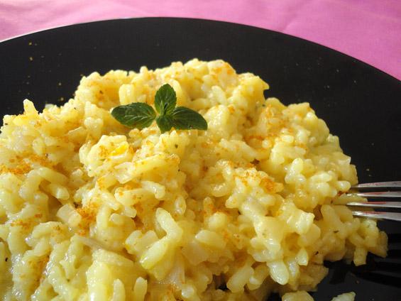 Ριζότο με κρόκο Κοζάνης και καπνιστό αυγοτάραχο