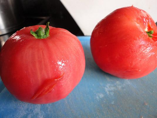 ντομάτες ξεφλουδισμένες