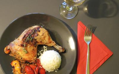 Κοτόπουλο με τσίλι και χρωματιστές πιπεριές