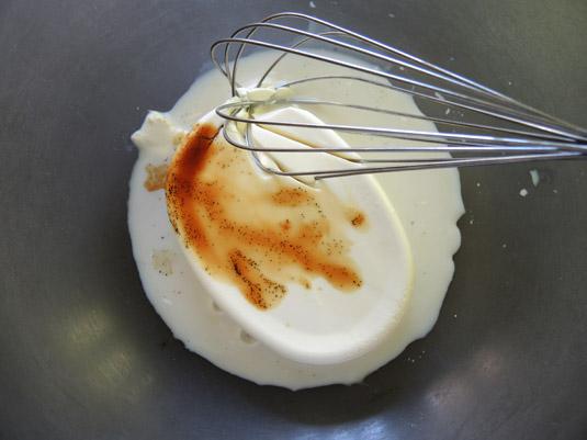 τυρί κρέμα, γάλα και εκχύλισμα βανίλιας