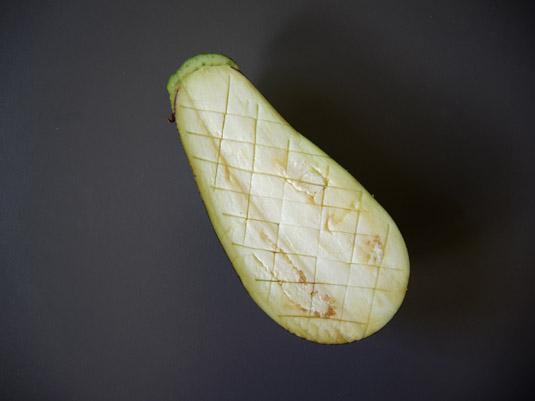 μελιτζάνα χαραγμένη χιαστί