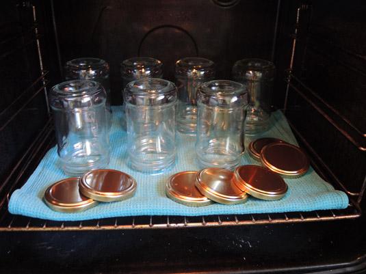 βαζάκια στο φούρνο για αποστείρωση