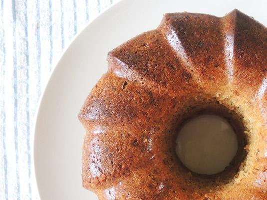 κέικ καρότου με καρύδια ψημένο