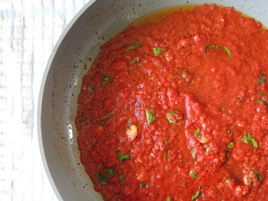 σάλτσα ναπολιταίν