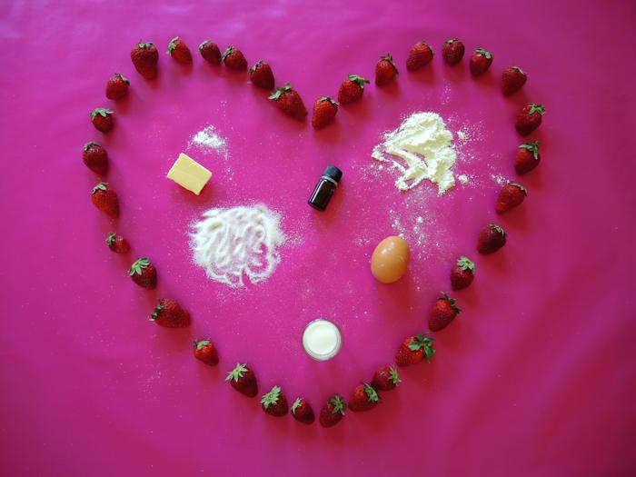 υλικά για κέικ με φράουλες