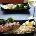 σολομός με γλασο σογια σος, μπροκολο και καστανό ρυζι-700