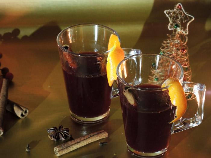 mulled wine ζεστό κρασί με μπαχαρικα
