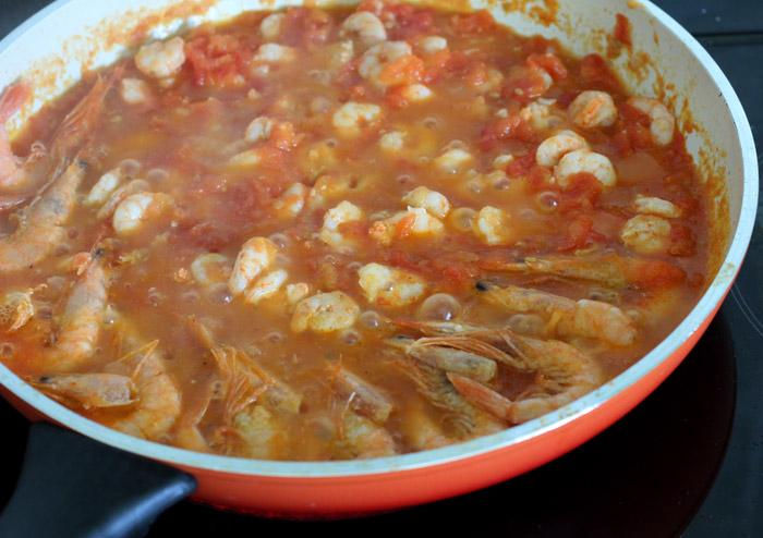 σάλτσα με γαρίδες στο τηγάνι
