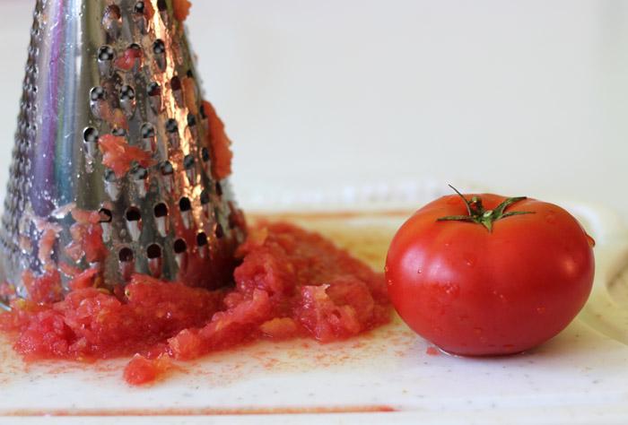 ντομάτα στον τρίφτη