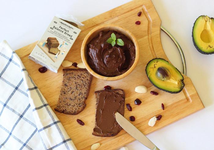 αλειμμα σοκολατα-αβοκαντο-ψωμι h&t 700