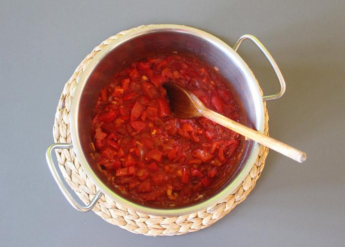 λαχανικά κ ντομάτα στην κατσαρόλα