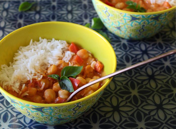ρεβίθια με φυστικοβούτυρο, γάλα καρύδας και ρύζι
