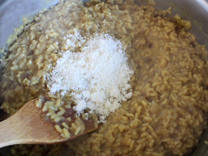ριζότο με παρμεζάνα στην κατσαρόλα