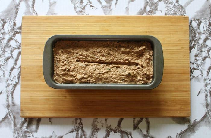 ζύμη για ψωμί σόδας στη φόρμα