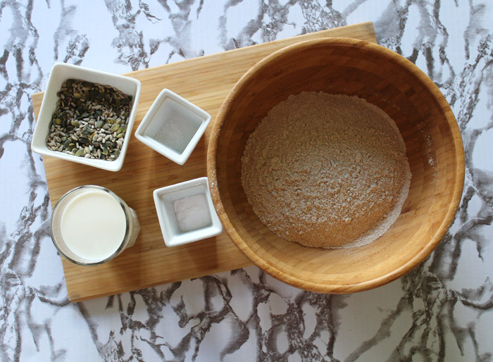 υλικά για πολύσπορο ψωμί σόδας