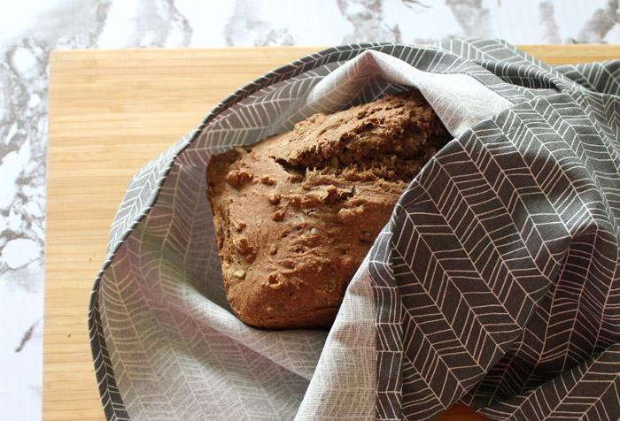 ψωμί σοδας στην πετσέτα